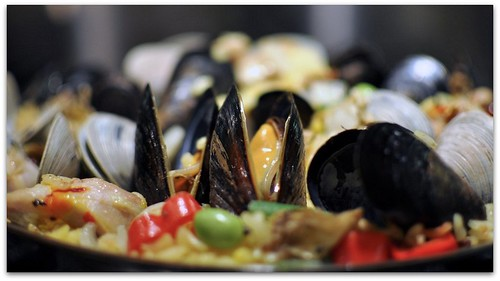 Mussels-in-Paella | by ThinRecipes