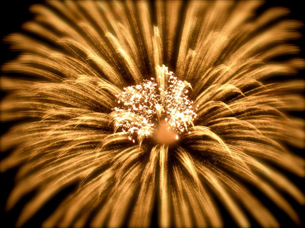 free fireworks wallpaper hd