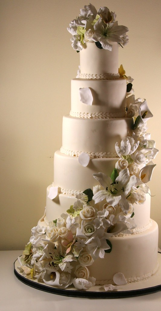 images of 6 tier wedding cakes 6 tier wedding cake with sugar flowers cascade all the 16324