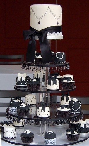 Black and White | by Sweet Tiers Cakes (Hester)