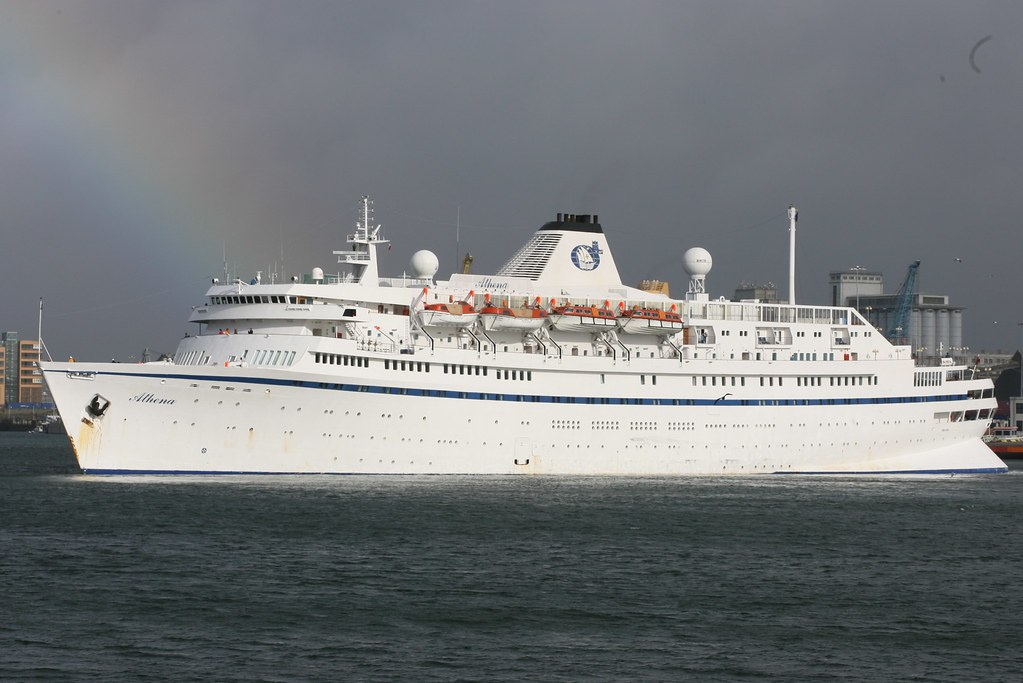 Ships anus cruise