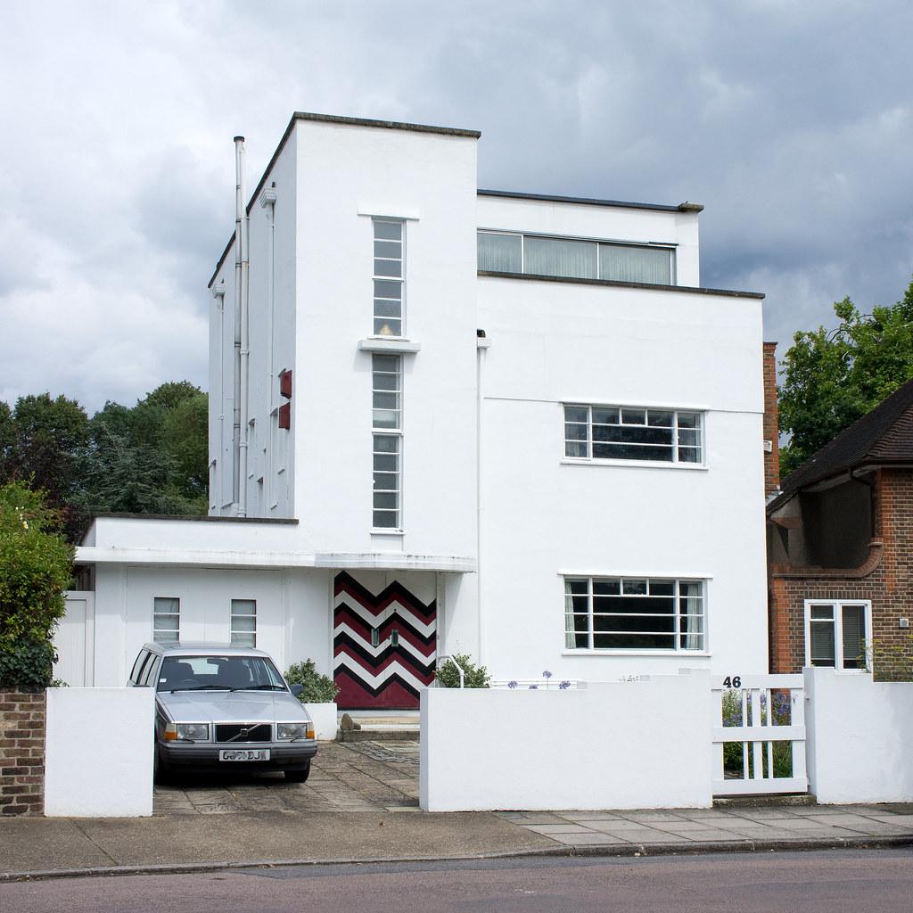 A Bauhaus Design House In St Margarets Near Richmond Lock