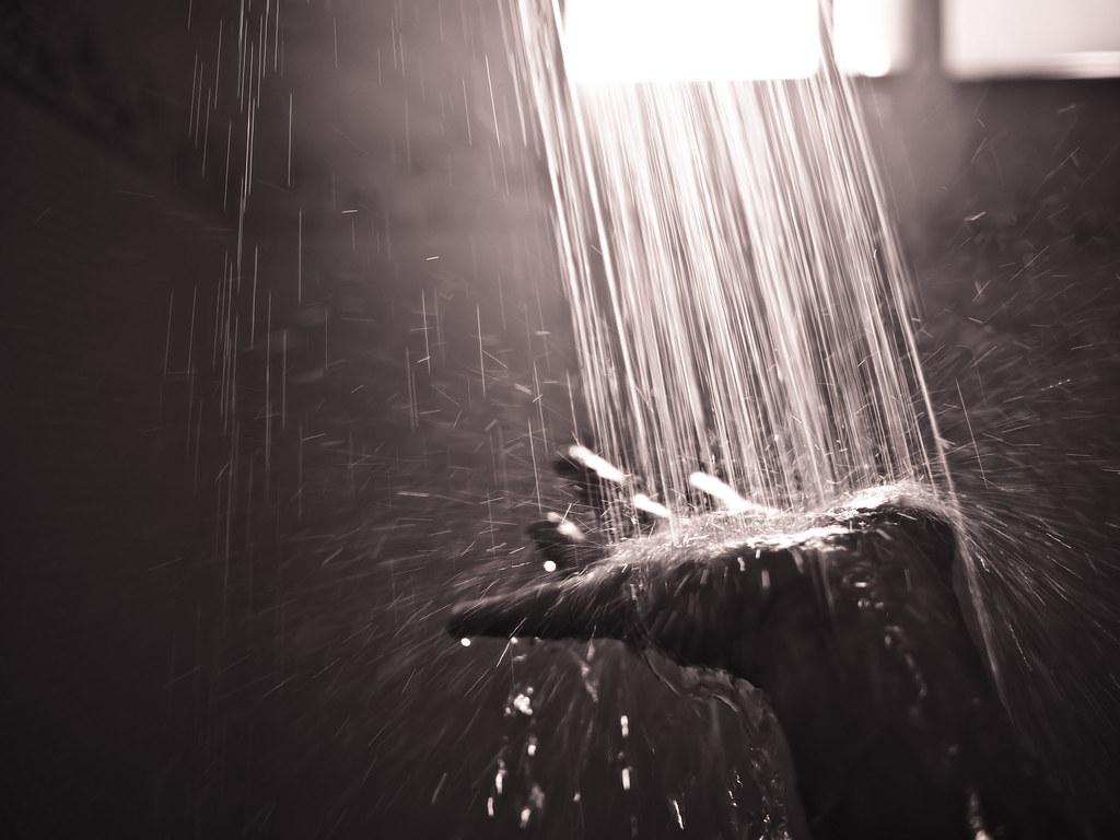 take a shower 1 219 365 imsuri flickr. Black Bedroom Furniture Sets. Home Design Ideas