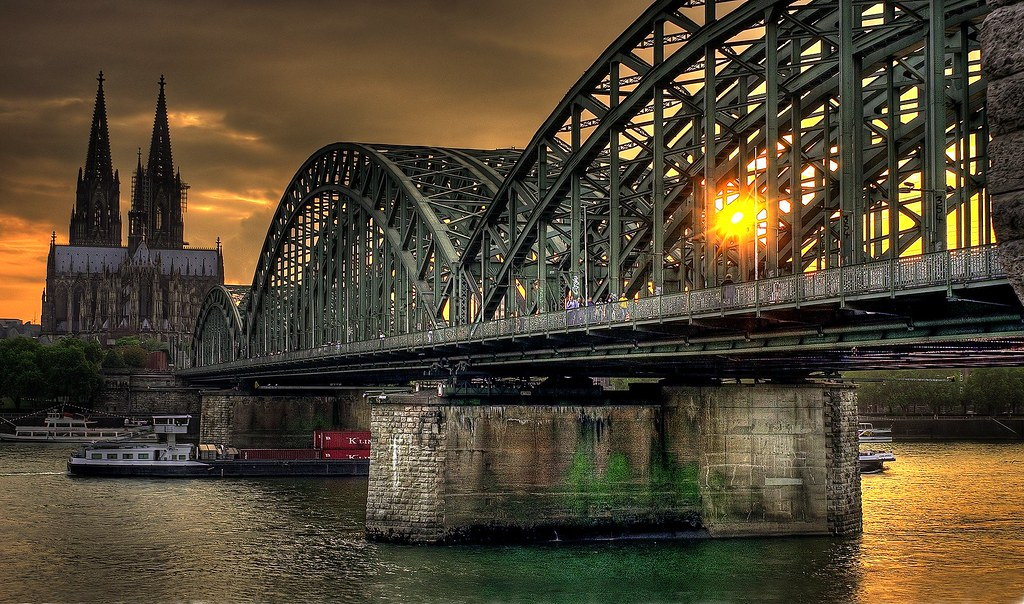 cologne germany hohenzollern railway bridge downtown. Black Bedroom Furniture Sets. Home Design Ideas
