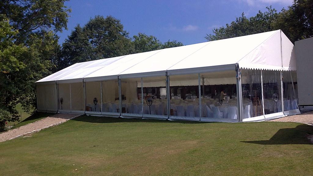 Carpa con cortinas de cristal carpa boda con cortinas for Cortinas transparentes