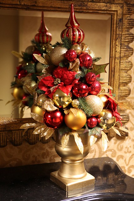 Red and gold christmas centerpiece flickr photo sharing
