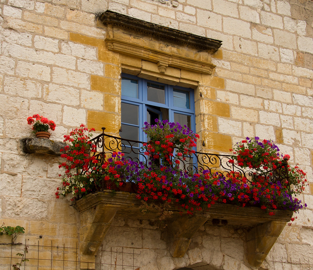 French balcony monpazier cees flickr for Balcony french