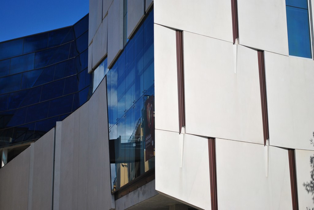Hawke building facade detail at unisa in adelaide by for Architecture jobs adelaide