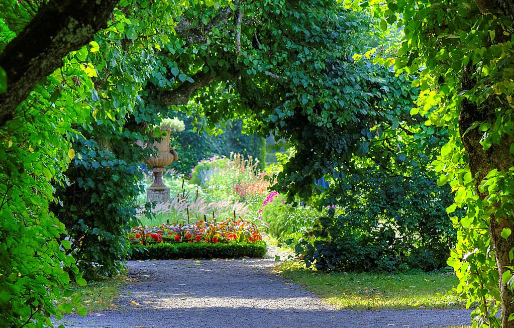 enter the enchanted garden by kurtq - Enchanted Garden