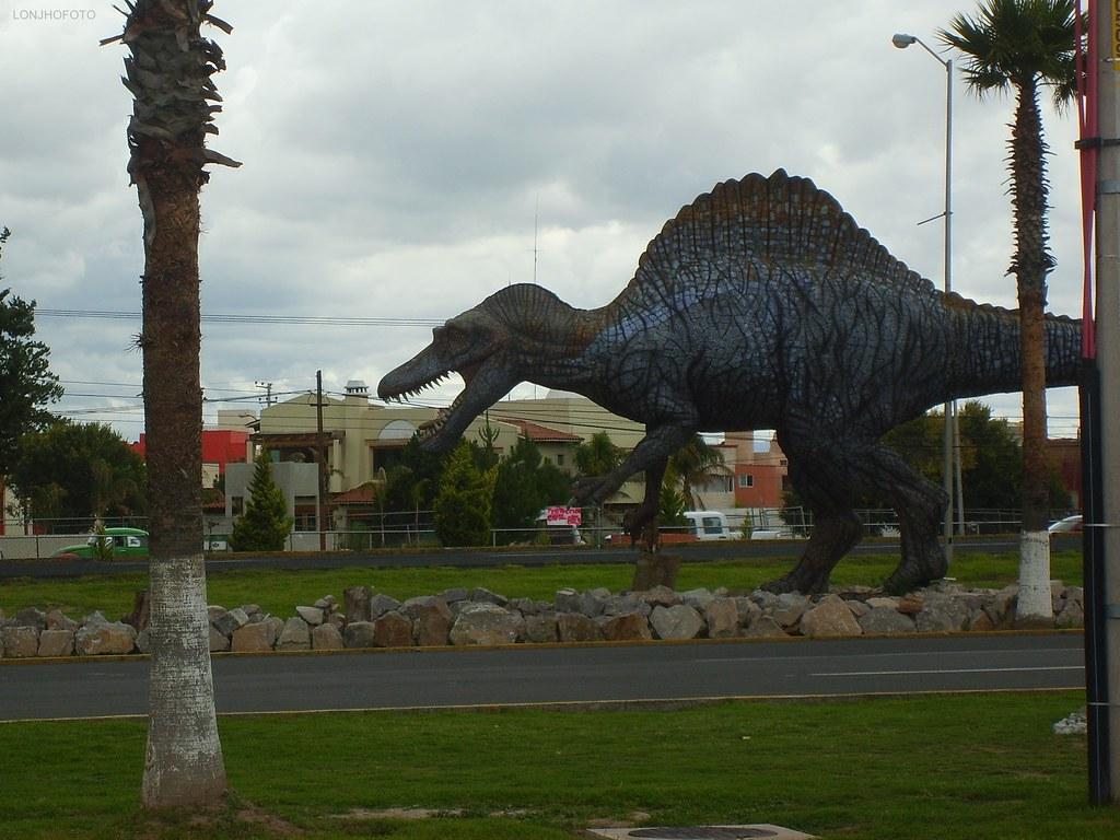 Espinosaurio | Dinoparque del Museo El Rehilete en Pachuca ...