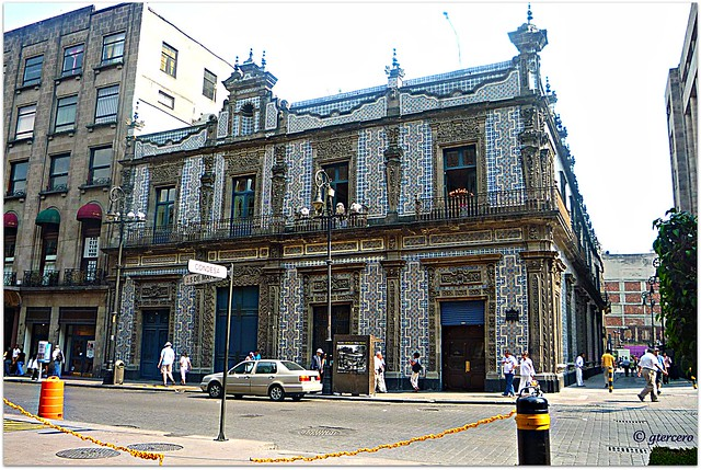 Casa de los azulejos calle condesa y av cinco de mayo for La casa de los azulejos mexico