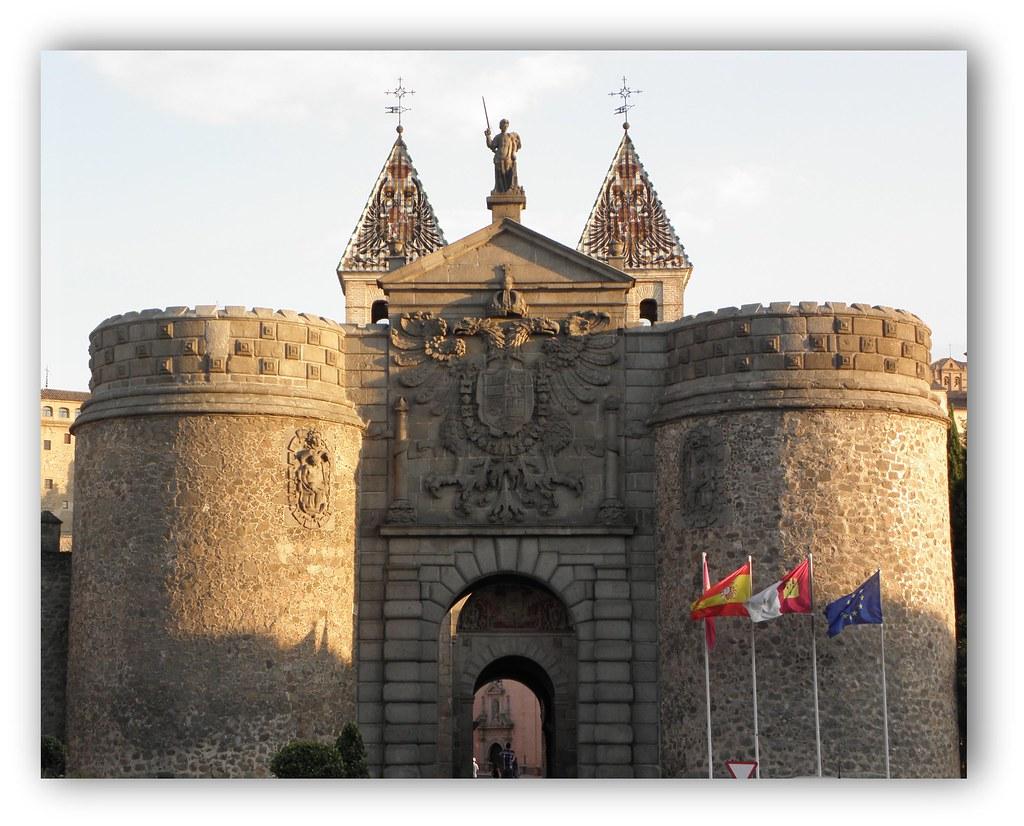Puerta nueva de bisagra toledo esta foto participa en - Bisagra de puerta ...