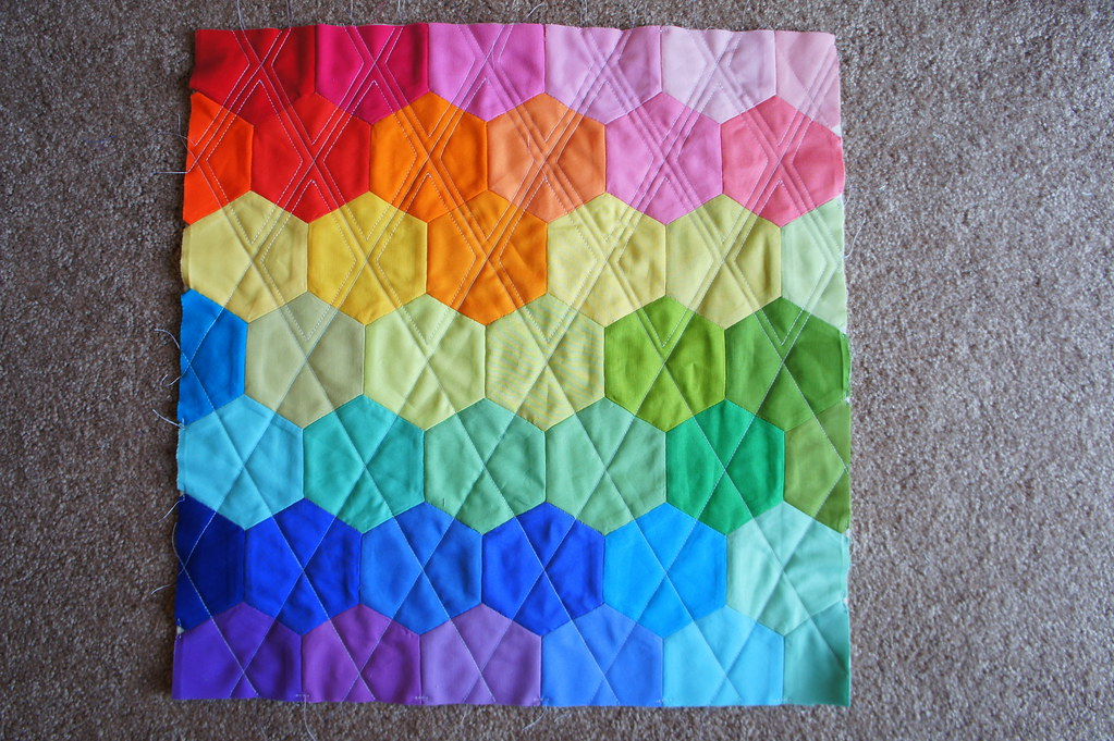Quilting Patterns Cushions : Rainbow Hexagon Pillow - Quilting blogged Angela Flickr