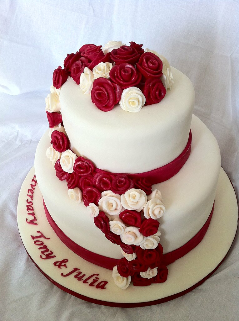 Ruby Wedding Cake Picture