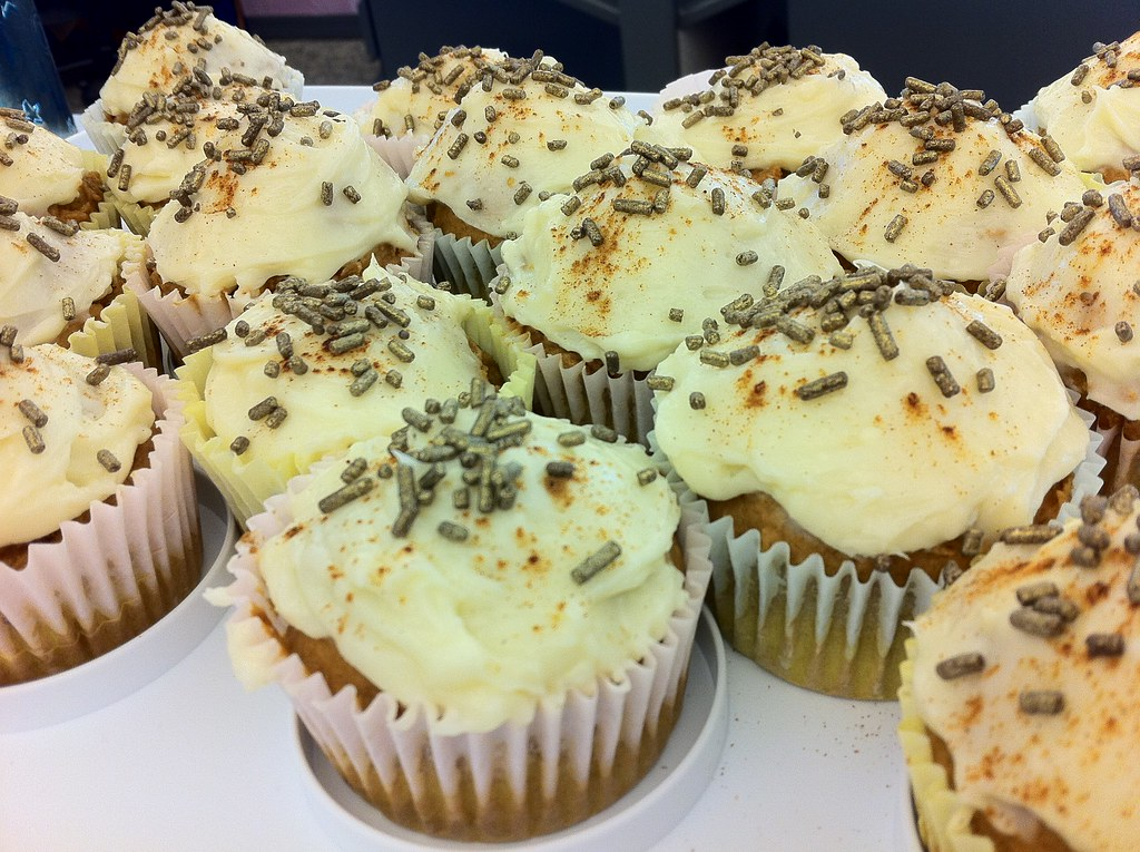 Pumpkin Spice Cupcakes With Maple Cream Cheese Frosting Recipe ...