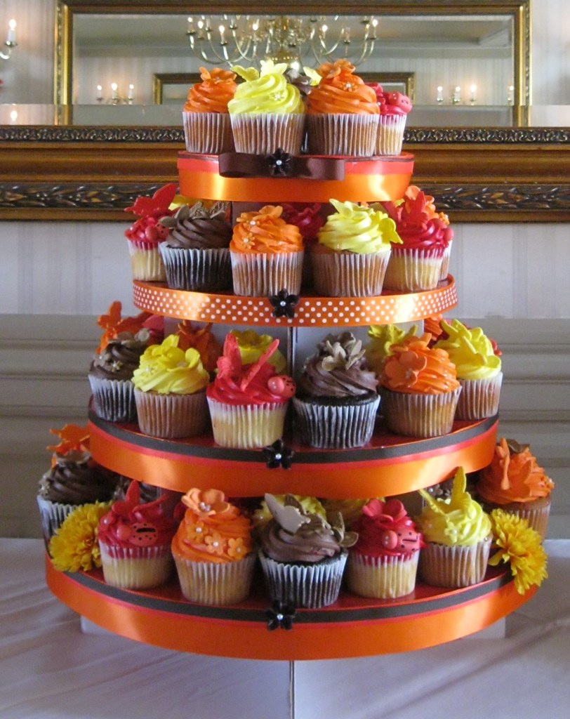 fall wedding cakes with cupcakes fall wedding cake cupcake tower jpg www katiskupcakes 14171