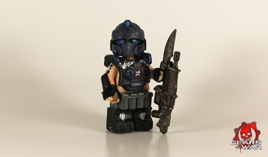 HOW TO MAKE LEGO CARMINE FROM GEARS OF WAR - YouTube