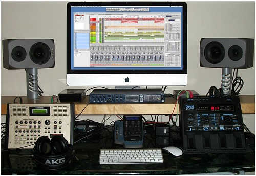 BEDROOM RECORDING DESK | by Andrew Pilling