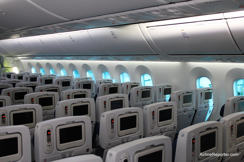 Inside the 787 Dreamliner | Learn more at: www.airlinereport… | Flickr