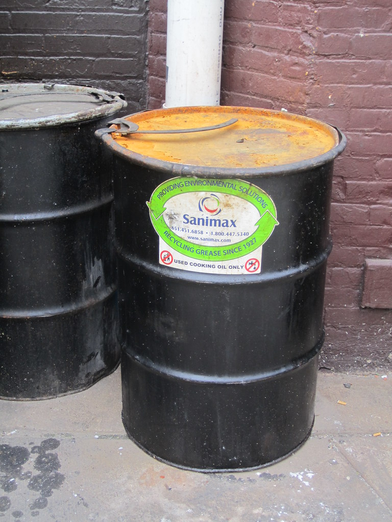 Sanimax grease recycling barrel for use cooking oil recycl - Fabriquer un barbecue avec un bidon ...