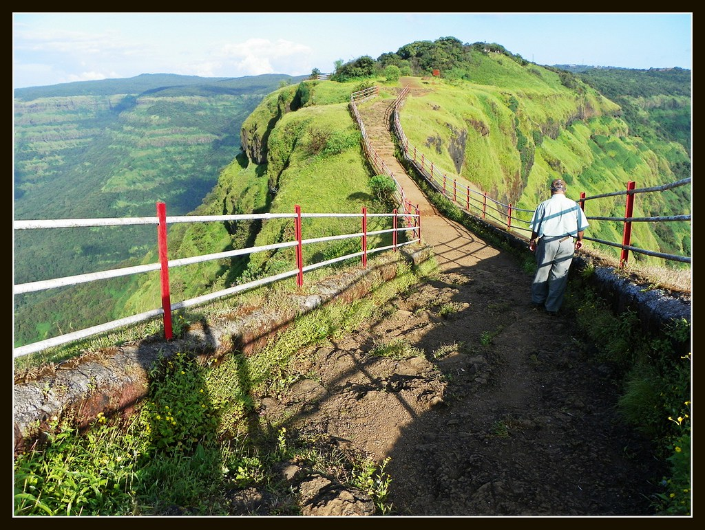 17 Products People With Photosensitivity Use During the Lodwick point mahabaleshwar photos