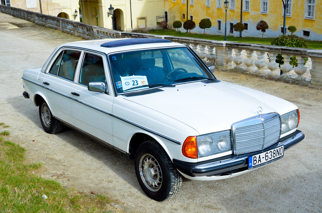 Mercedes benz 240d w123 czech mercedes benz club meeting for Mercedes benz 240 d