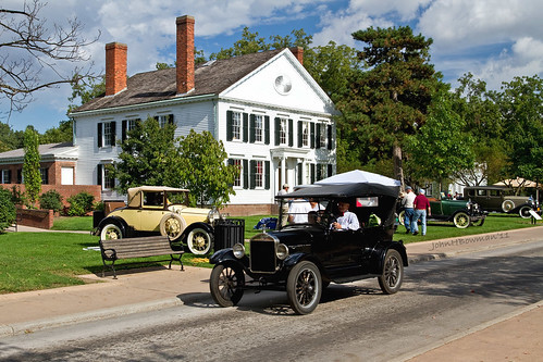 Vintage Cars at Noah Webster House | by John H Bowman