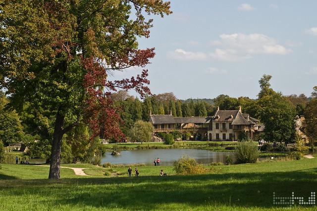Marie antoinette 39 s village le jardin de versailles for Jardin de versailles