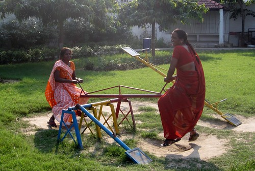 (Re)searching Romantic Relationships and Public Space in Banaras: Ladies at Ravidas Park | by amcurt325
