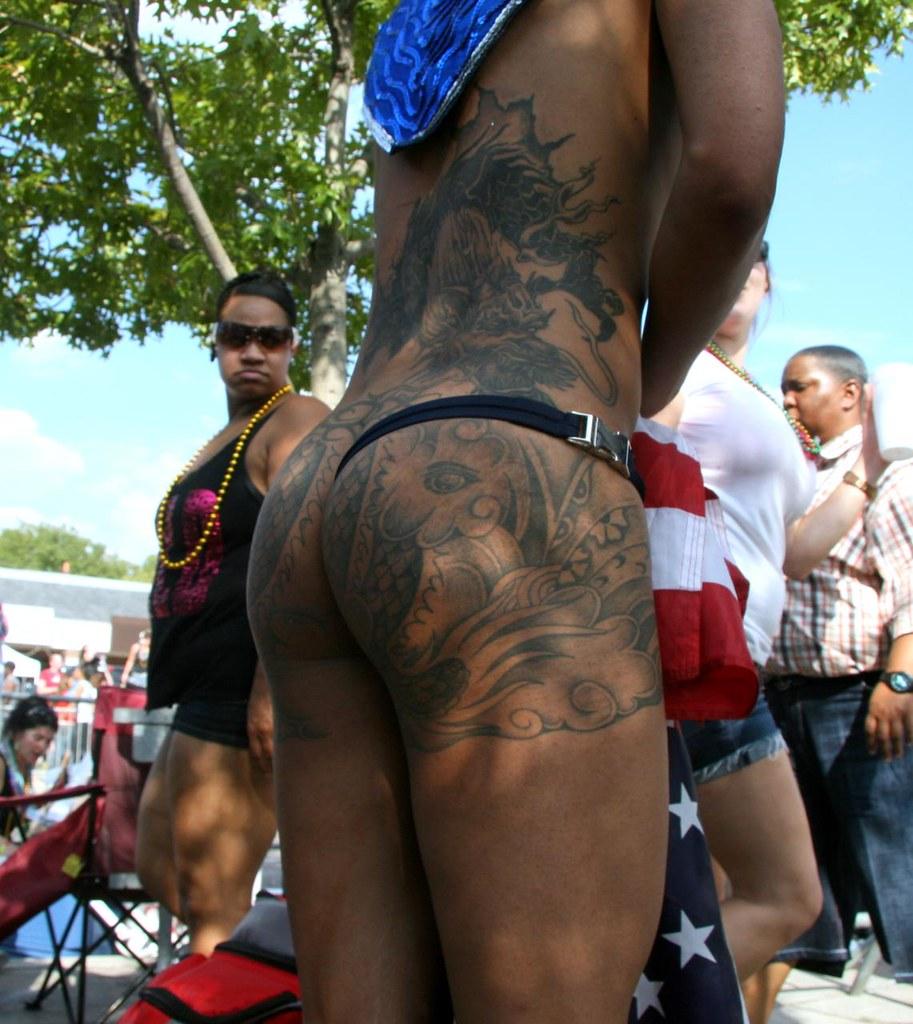 Nude sluts giving blow jobs