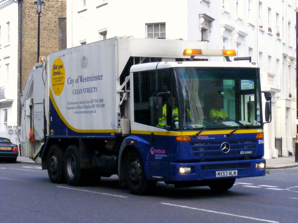 Veolia city of westminster dust cart lupus street for Mercedes benz westminster