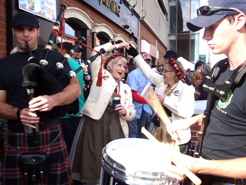 Pipers and Revelers at Dublin Square Pub | by Rochelle, just rochelle