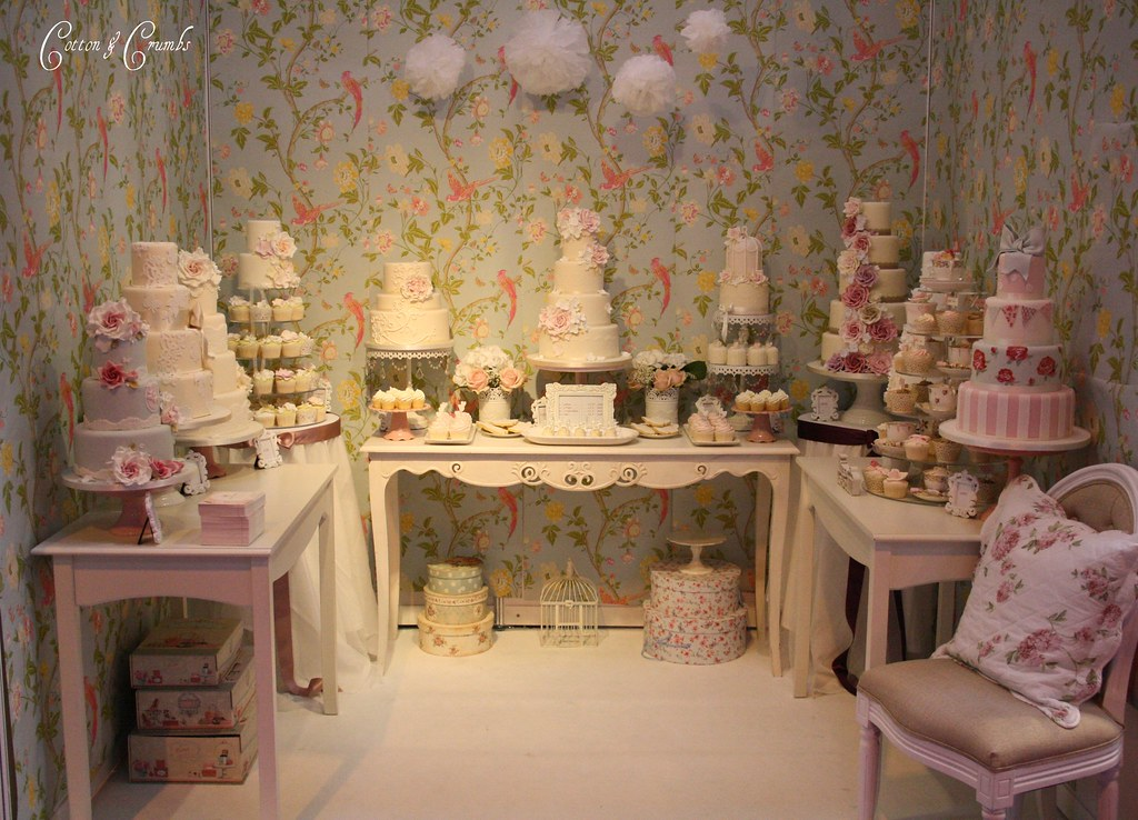 National Wedding Show Cake Stand