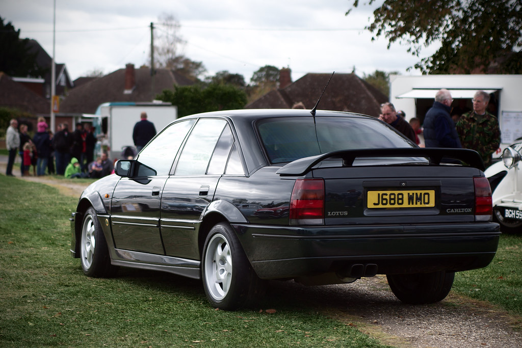 lotus carlton photographed at the 2011 thatcham classic. Black Bedroom Furniture Sets. Home Design Ideas