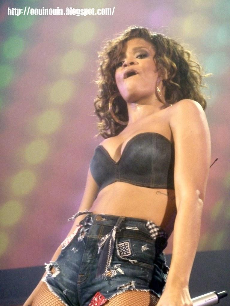 rihanna - bercy 2011 - 514   Rihanna en concert à Paris ... Rihanna