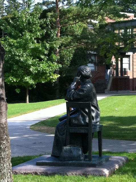 Statue Of Elizabeth Blackwell On The Hobart And William ...