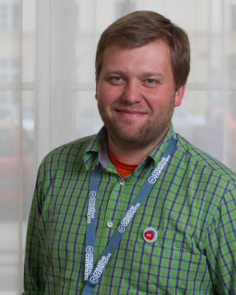 dr Alek Tarkowski