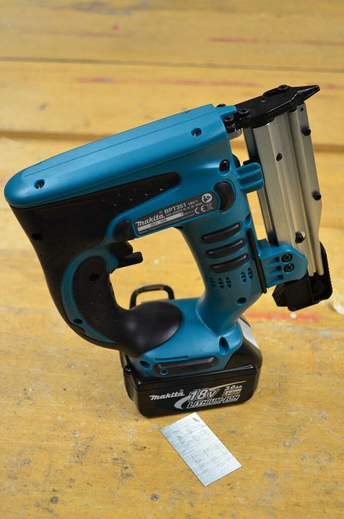 makita bpt351rfe lxt 18v liion cordless 23 gauge pin nailer by toolstop