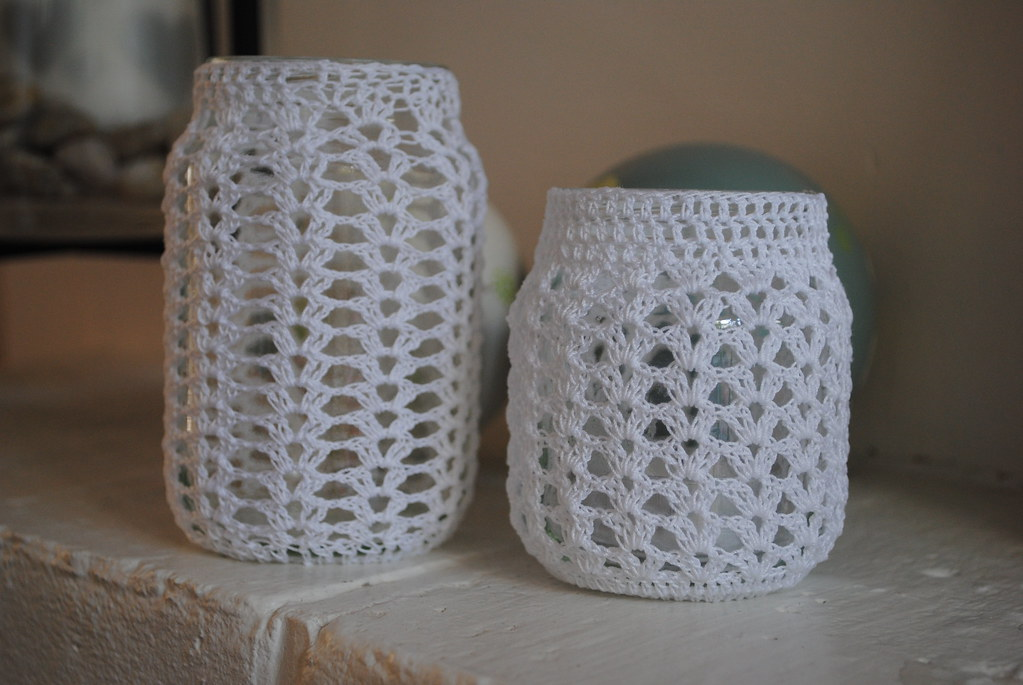 Crochet jar covers Blogged here: snipsnaphappy.blogspot ...