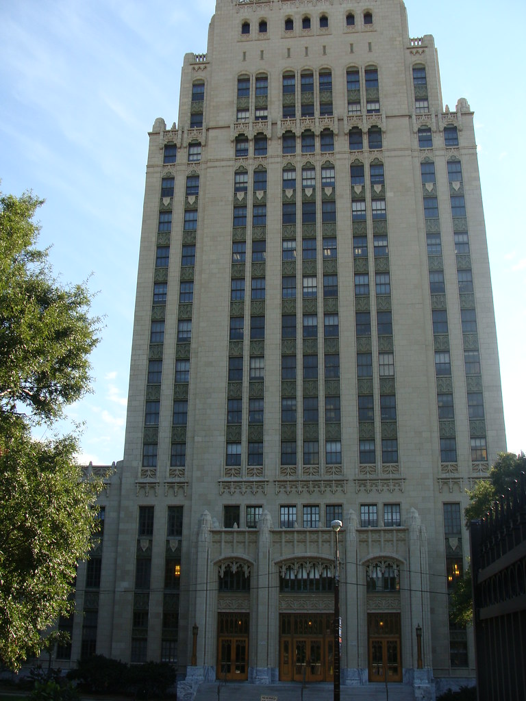 Atlanta ga city hall built in 1930 at a cost of 1 000 for Cost to build a house in georgia
