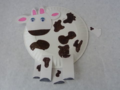 Paper Plate Cow Craft | by iREAD Summer Reading Program ... & Paper Plate Cow Craft | AllKidsNetwork.com | iREAD | Flickr