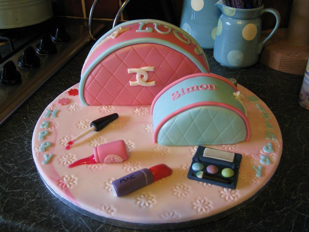 Make Up Bag Cake For 10 Yr Old Little Girl Birthday Cake F Flickr