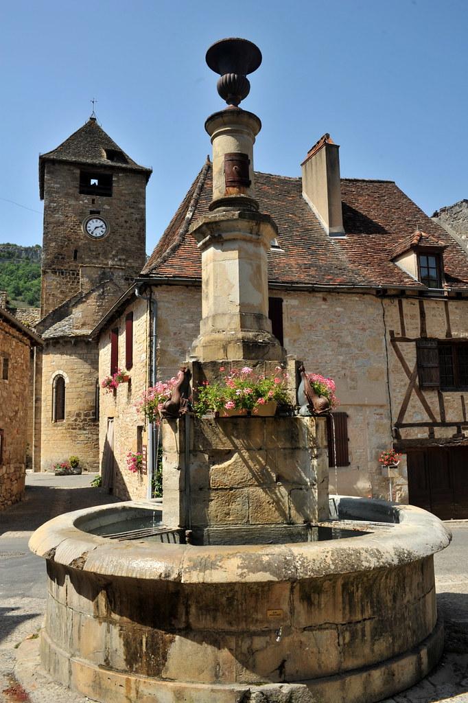 La fontaine d 39 autoire lot une cit m di vale situ e au c flickr - Construire une cite medievale ...