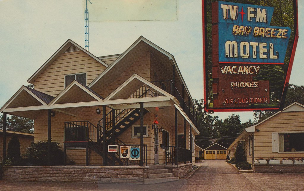 Bay Breeze Motel - Traverse City, Michigan