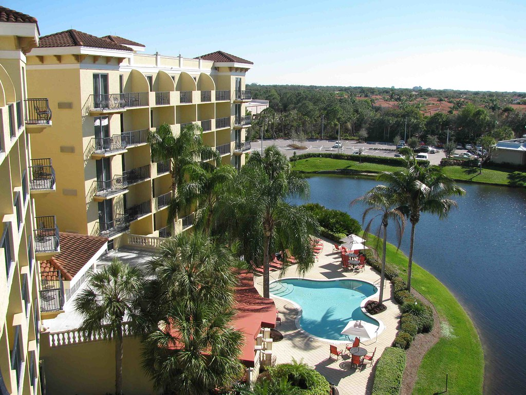 Inn at pelican bay boutique hotel in naples fl the for Best boutique hotels naples
