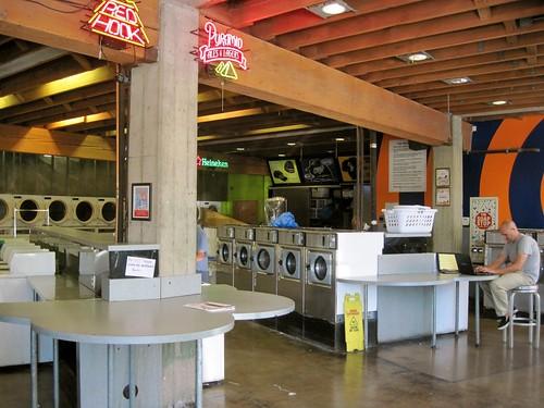 Brainwash Cafe Laundromat
