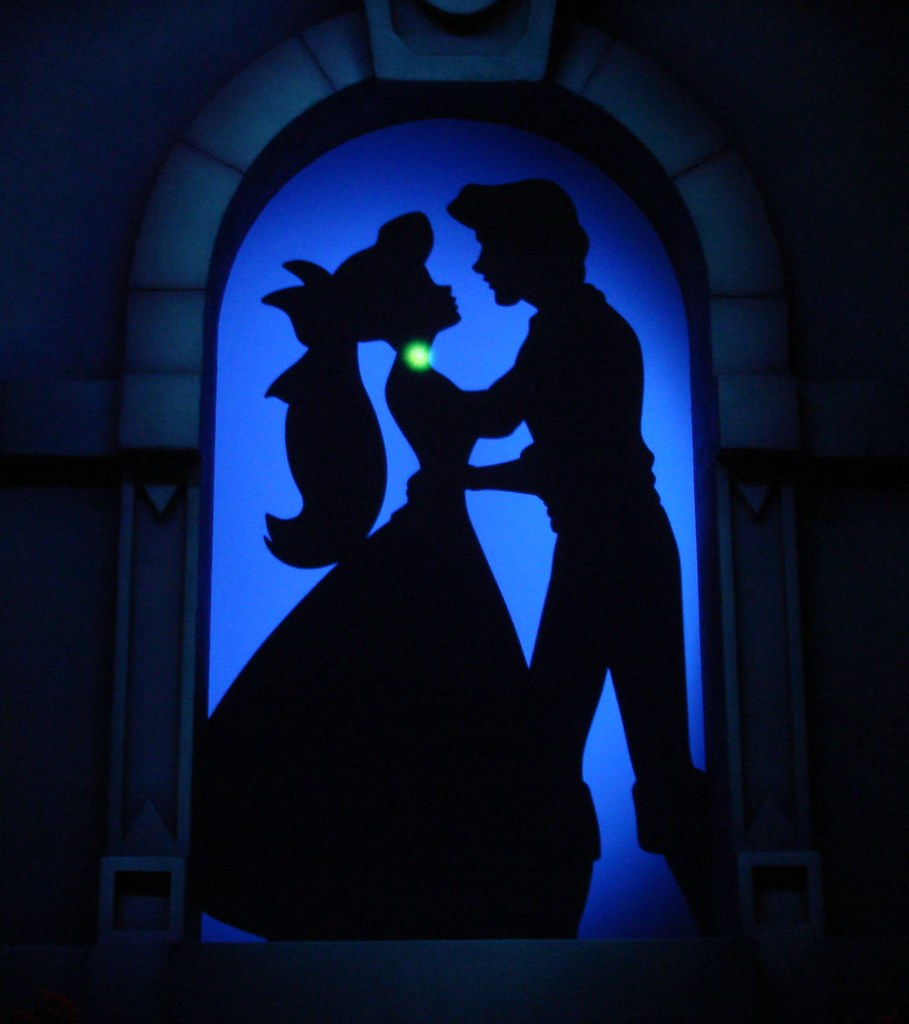 Silhouette of Ariel and Eric AnaMaria Gonzalez Flickr