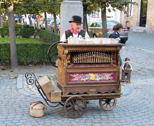 Crazy old barrel organ dude in Bruges