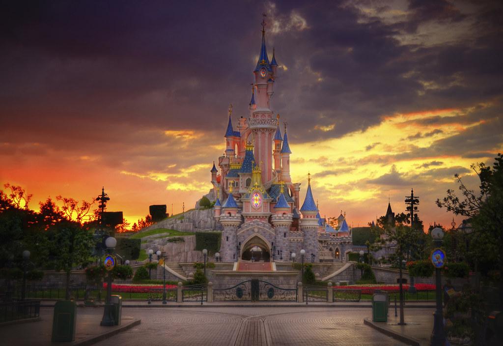 A Disneyland Paris Sunset After My Kids Ditched Me