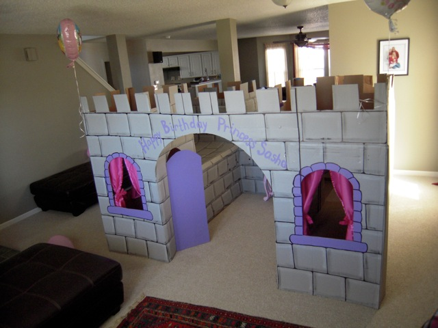Princess castle with magic mirror flickr for Castle made out of cardboard boxes